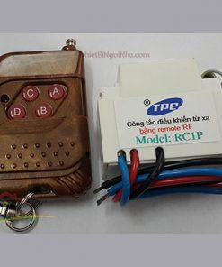 https://thietbingoinha.com/ Công tắc tắt mở thiết bị điện bằng điều khiển từ xa (RC1P), có thể điều khiển xuyên tường ở khoảng cách xa.