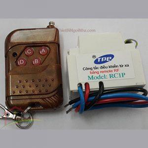 http://thietbingoinha.com/ Công tắc tắt mở thiết bị điện bằng điều khiển từ xa (RC1P), có thể điều khiển xuyên tường ở khoảng cách xa.