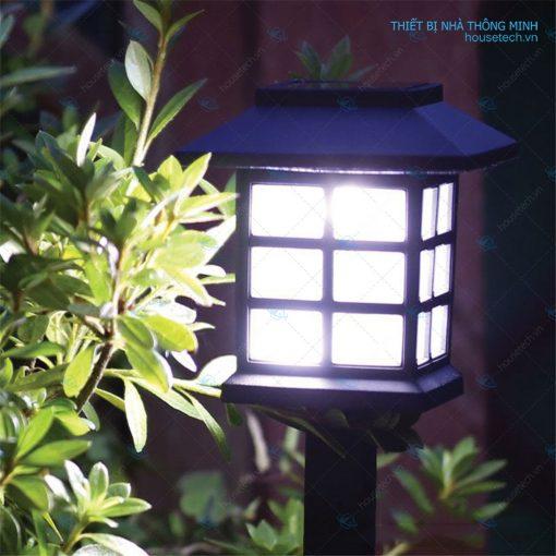 Ánh sáng trắng đèn cắm sân vườn