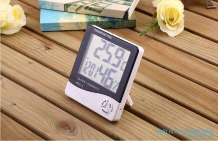 Đồng hồ đo nhiệt độ và độ ẩm trong phòng htc1