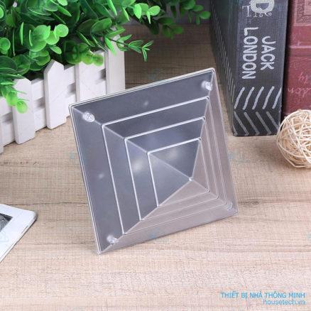 Đèn kim tự tháp năng lượng mặt trời