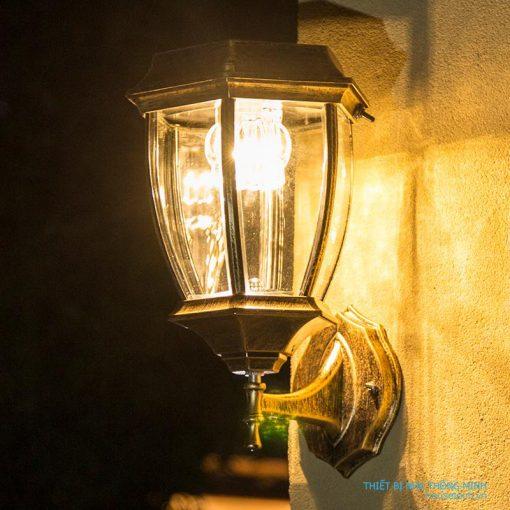 Đèn treo tường năng lượng mặt trời HT515