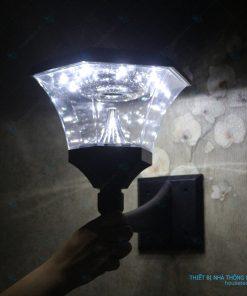 Đèn gắn tường ánh sáng trắng
