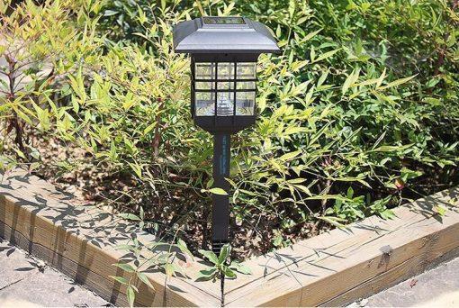Đèn năng lượng mặt trời sân vườn cao cấp ở HCM