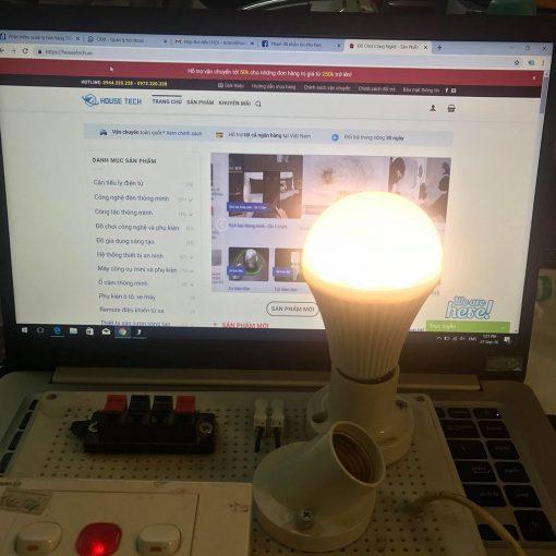 Bóng đèn chiếu sáng có điều khiển từ xa