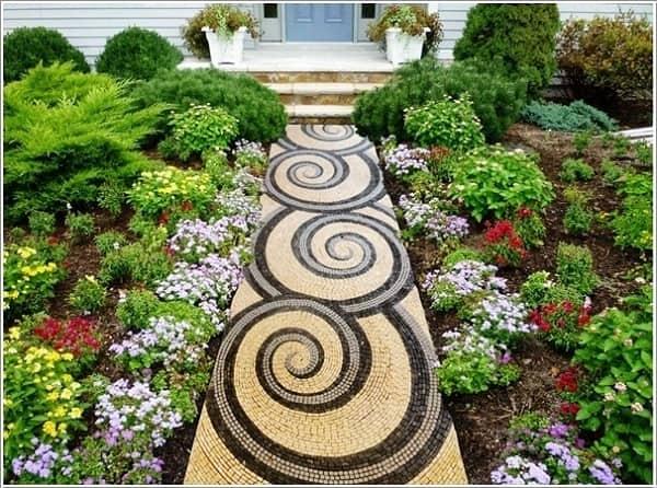 Trang trí sân vườn từ những viên đá độc đáo và nhiều màu sắc